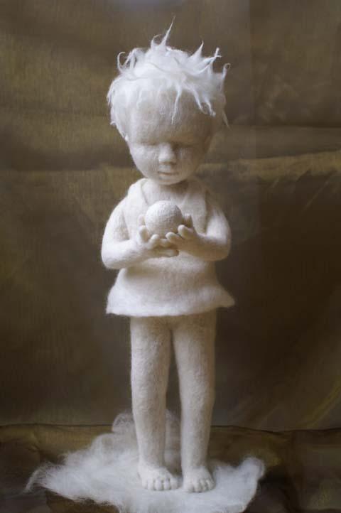 """Door de vormgeving en de nieuwe techniek ontving zij de Max-Oscar-Arnold Kunstpreis 2007 met """"het witte meisje"""